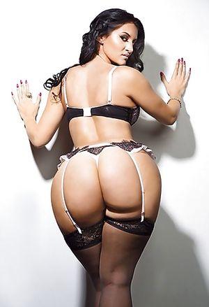 Сексуальная французская фотомодель с пухлой жопой 15 фото