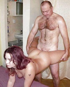 Семейный разврат на порно фото 16 фото