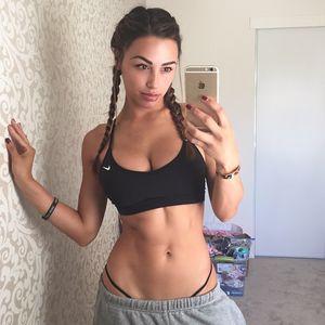 Ana Cheri - сексуальная фитнес-модель