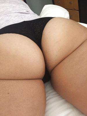 Женушка с большой задницей 6 фото