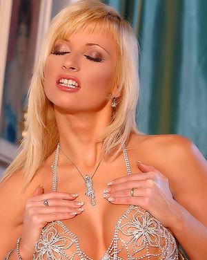 Самая сексуальная блондинка в обнаженном виде 4 фото