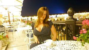 Русская дама показывает свои любительские фото 4 фото