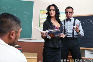 Зрелая училка трахается с директором 5 фото