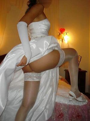 Шлюшки перед свадьбой веселятся 2 фото