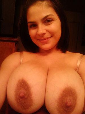 Женщина с натуральной грудью 23 фото
