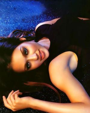 Сногсшибательная Джессика Альба в красивых нарядах 0 фото