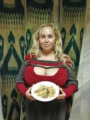 Толстые дамочки в одежде 6 фото
