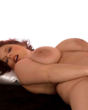Полная женщина с огромными сиськами 6 фото