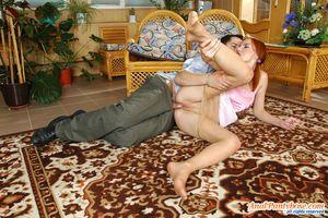 Рыженькая россиянка захотела анальный секс 14 фото