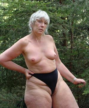 Эротические фотографии голых бабушек 3 фото
