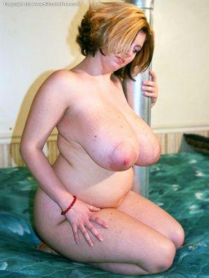 Фото женщины после родов с огромными дойками. 8 фото