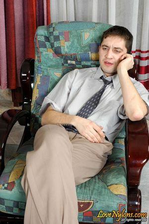 Секретарша без трусиков соблазнила босса 0 фото