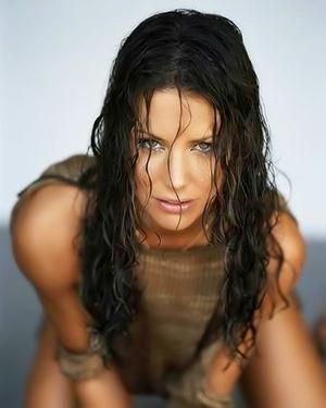 Красивые фотографии шикарной актрисы с классной фигурой 13 фото