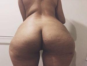 Мексиканка с большой попой и широкими бедрами 15 фото