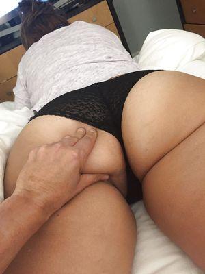 Женушка с большой задницей 1 фото