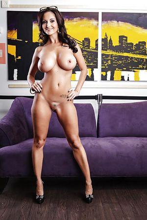 Порно фото зрелых дамочек с красивым телом 4 фото