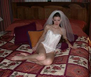 Шлюшки перед свадьбой веселятся 8 фото