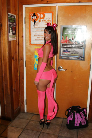Порно фото развратных девок на Хэллоуин. 5 фото