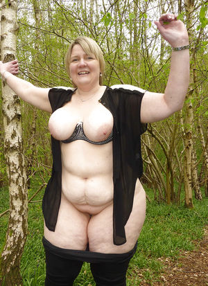 Эротические фотографии голых бабушек 8 фото