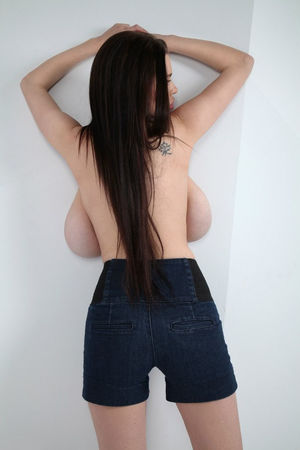 Русская девка с отвисшими большими сиськами 2 фото