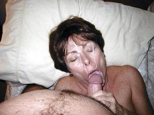 Старухи со спермой на лице 2 фото