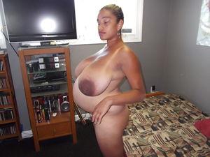Беременная мамашка с большими сиськами