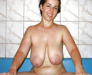 Фото женщин с отвисшими сиськами 17 фото