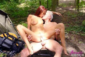 Классный секс отдыхающих на природе. 8 фото