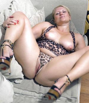 Шлюшка в леопардовом белье 11 фото