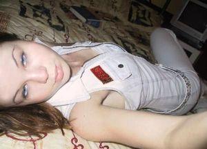 Молоденькие девушки из социальных сетей 9 фото