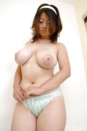 Азиатки с большими бедрами 7 фото