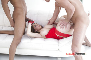 Групповое порно с сисястой девкой 8 фото
