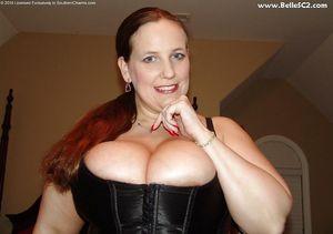 Зрелая сексуальная баба 3 фото