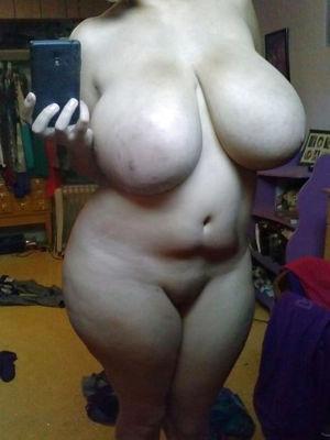 Фото девушек с огромными дойками 13 фото