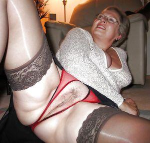 Фото голых старушек 4 фото