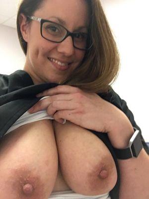 Развратная медсестра 7 фото