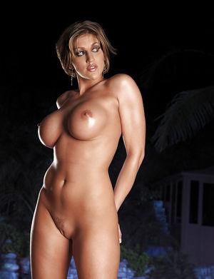 Ева Лоуренс любит пососать хуй 3 фото