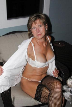 Зрелые дамы в сексуальных нарядах 15 фото