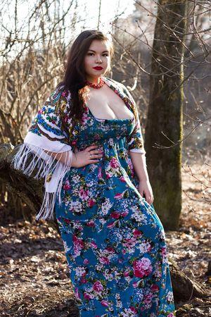 Мария Макарова и ее пышные формы 6 фото
