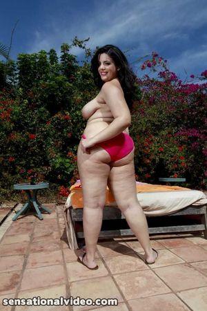 Толстуха в бикини. 11 фото