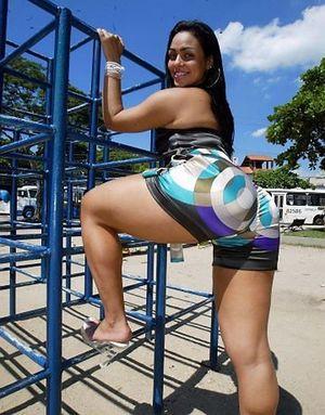 Andressa Soares - телка с шикарной жопой 8 фото