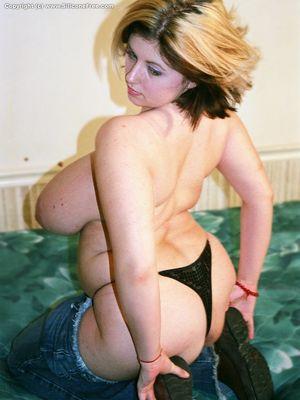 Фото женщины после родов с огромными дойками. 4 фото