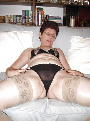 Зрелая женщина в самом соку 1 фото