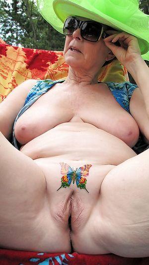 Подборка сексуальных бабок 2 фото