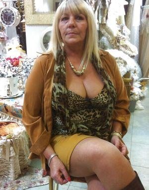 Эротические фотографии голых бабушек 5 фото