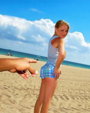 Негритос познакомился на пляже с блондинкой 1 фото
