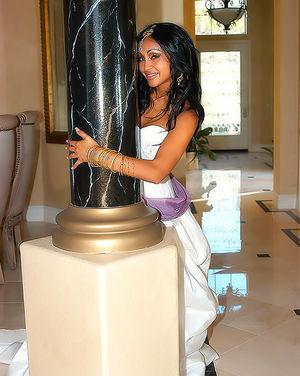 Первая брачная ночь индийской невесты 3 фото