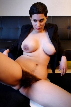 Порнозвезда с мохнатой щелью 12 фото