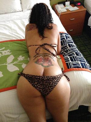Страстные сучки с большими жопами 4 фото