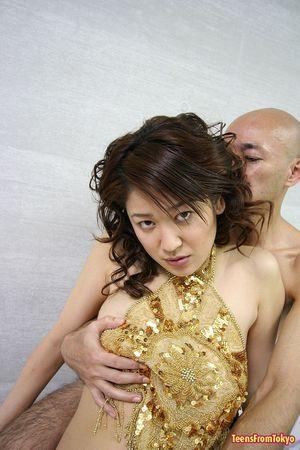 Трахнул грудастую азиатку волосатым членом 1 фото